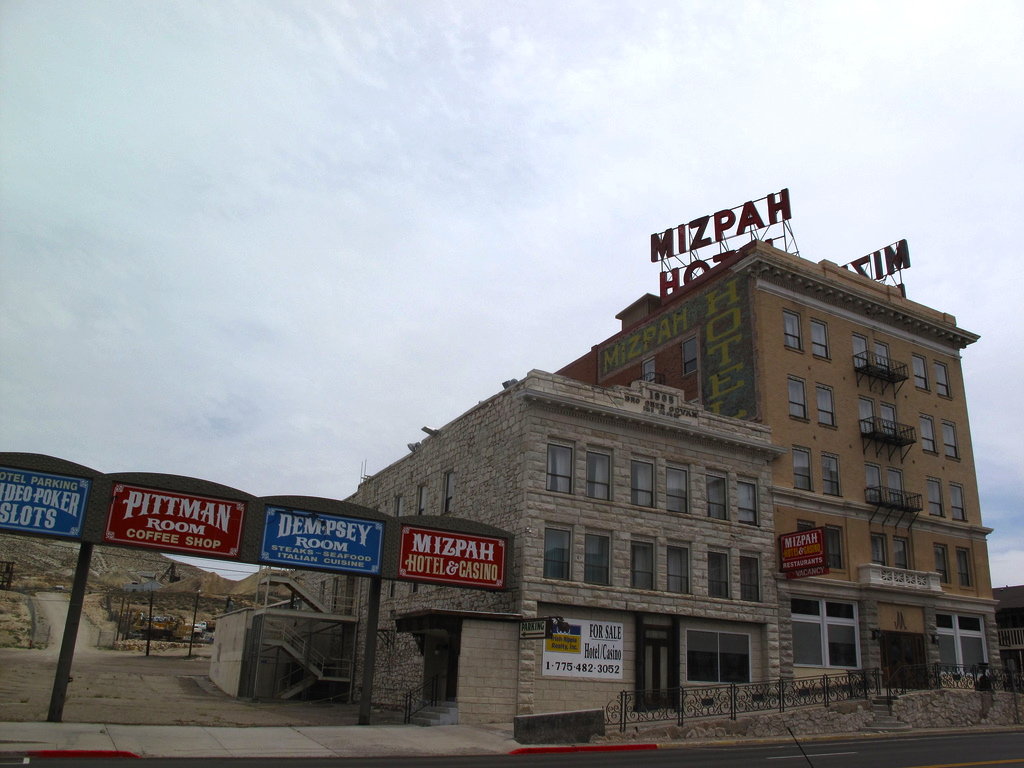 Mizpah Hotel Tonopah Nv Old Haunt New Life Scarepop