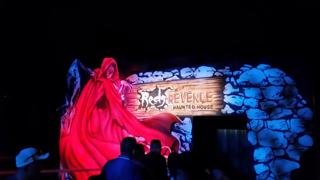 six flags magic mountain fright fest is back for another solid season of scares touting fourteen mazes and scare zones fright fest has a lot of halloween